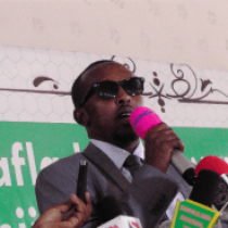 The secretary of Hargeisa municipality accuses the mayor of running the office as a privately owned company